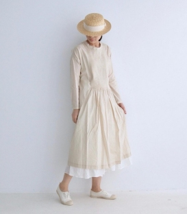 ichi 圓領細褶開釦洋裝